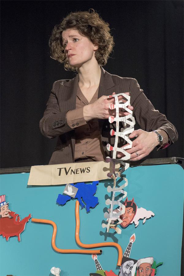 Théâtre - seule en scène - marionnette